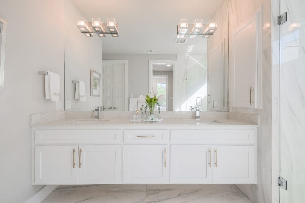 White bathroom Staging